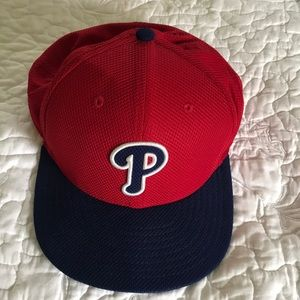Men's Phillies hat by New Era,Sz7 5/8.Never worn